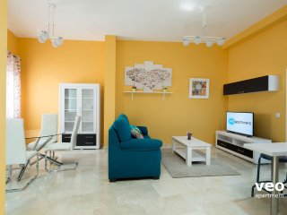 Jesus del Gran Poder 2. 2 bedrooms, 4 people, Seville