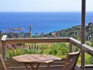 Studio 4 etoiles avec piscine, vue panoramique a la plage de Palombaggia.