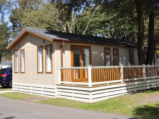 The Beach Hut, Lodge 126, Sandhills Holiday Park, Mudeford