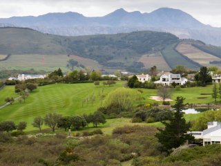 Golfers Dream Holiday Home - Erinvale Estate, Somerset West