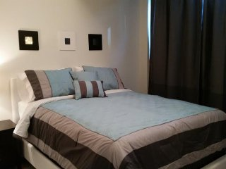 Deluxe 2 Bedroom Suite at Infinity Tower, Toronto