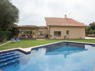 Luxury Villa with 6 rooms and swimming-pool, Bellaterra