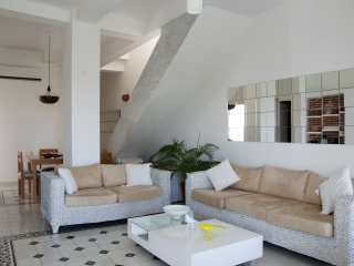 Luxury 2 Bedroom In Old City with pool/roof deck, Cartagena