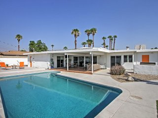 3BR Mid Century Palm Springs House w/Private Pool!