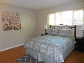 Spacious 1 Bdrm Apt Close to Downtown Grass Valley
