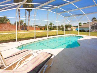 4 bed pool home very close to Disney!!