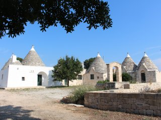 Trulli the dream (Trulli il sogno), Cisternino