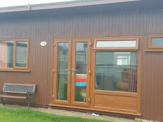 2 Bedroom, 4 berth chalet, Mablethorpe Chalet Park Dog Friendly