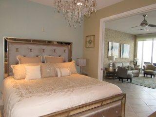 Sophisticated Diamond Beach Penthouse 5PH3, Galveston