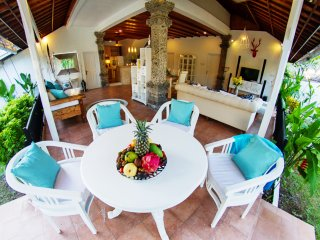 Luxury 3bd villa Isabel center of Seminyak PROMO