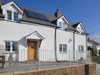 DEVER Cottage in Littleham, Appledore