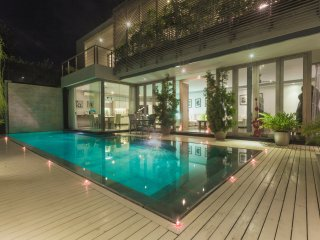 4bd Luxury Avrora villa Seminyak 900m to beach