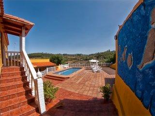 Las Casas de Lola y Rafael - 2, Moya
