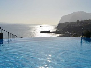 Luxury Sea View Apartment, Funchal