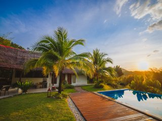 Alamanda Pool View- Tropical Wooden Villa