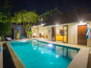 Vanilla 3bd Villa, central Seminyak, 500m to BEACH