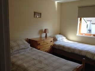 2 bedroom flat (2 twin bedded rooms) en suite - sleeps 4 - Peterculter - AB14