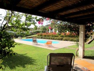 Esclusiva villa con piscina in bellissimo giardino, Tertenia