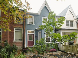 Victorian  House Heart of Toronto 3 bedroom + loft