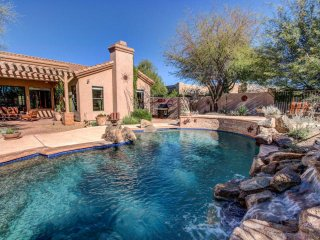 Relaxing Chaparosa Home with Pool, Cave Creek