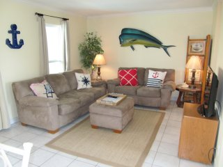 *NEW LISTING*   Bay Tree Tennis & Yacht Club, Port Aransas