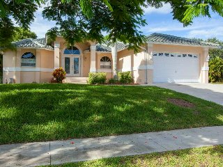 Fieldstone Dr - FIELD1049 - Only 1/2 Mile to Beach!, Isla Marco