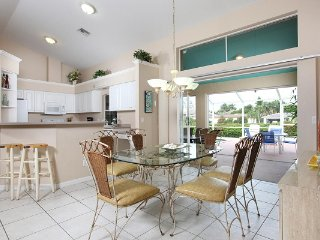 Amber Dr - AMB812 - Delightful Home, 1/2 Mile to Beach!