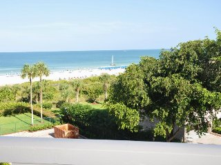 Chalet - CHLT506 - Glorious Beachfront Condo!