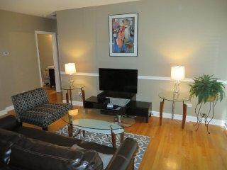 Furnished 1-Bedroom Townhouse at W Altgeld St & W Terra Cotta Pl Chicago