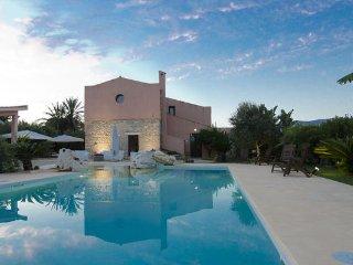 8 bedroom Villa in Buseto Palizzolo, Sicily, Italy : ref 2269167