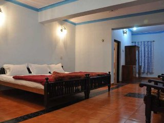 Ooty White House Cottage Room for 2 Adult & 2 Kid