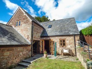 THE APPLE STORE, all ground floor, original features, close to River Wye, Symond
