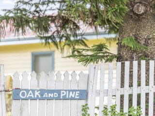 OAK AND PINE - Apollo Bay, VIC