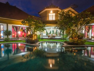 3 bd Luxury Villa Dora 7 min from Seminyak, 900m2