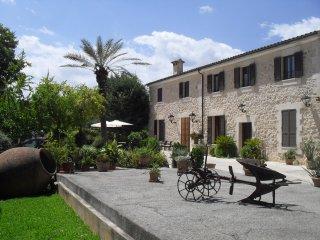 Casa Rural 12pax piscina, jacuzzi, pista de tenis, Sa Pobla