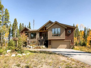 Lone Hand Lodge - Private Home
