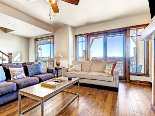 Fairway Springs 4159, Sleeps 10, Park City