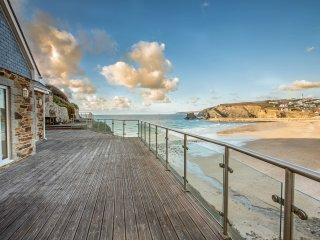 Luxury Cottage with Direct Beach Access, Portreath