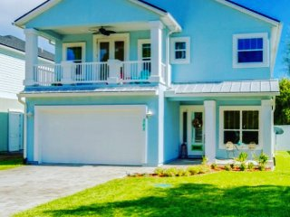 Baby Blue Bungalow- Discover Your Happy Place, Jacksonville Beach