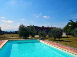 Ringo Country House, Marlia