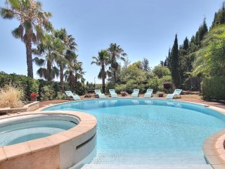 Villa turquoise, piscine, entre mer et montagnes, Vence