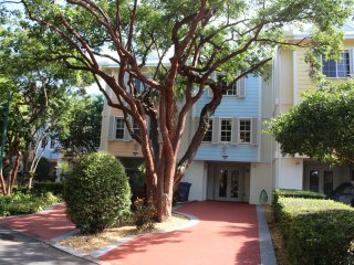 3 Bed 3.5 Bath Rock Harbor Villa -  W/Free WiFi, Key Largo