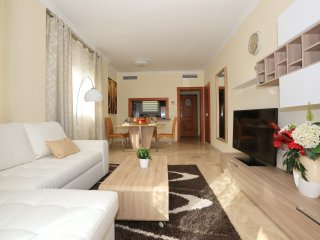 Stunning 1 bdr apt in a complex with a pool 05001