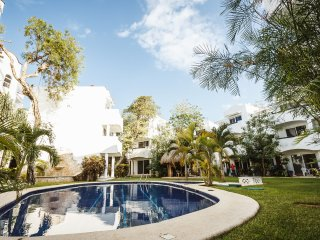 Playacar condo near beach on golf course - Quintas, Playa del Carmen