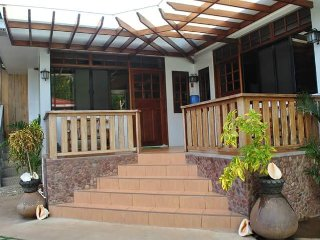 Nonoy Matt Bed & Breakfast (family room)