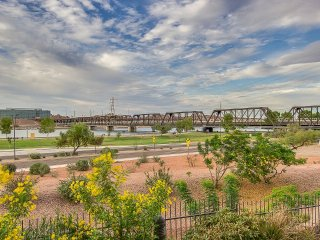 2 Bedroom Condo - STUNNING Lake Views! - Near ASU, Tempe