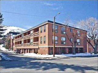Comfortable & Convenient Condo - Ideal for Family Vacations (25015), Park City