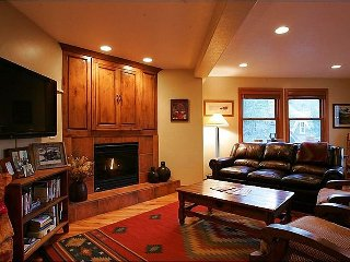 Beautifully Furnished & Upgraded Home - Next to City Park (25072), Park City