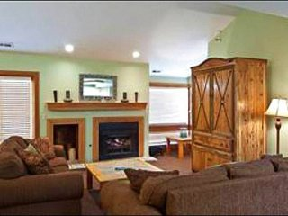 Perfect for a Group Ski Vacation - One Block from the Shuttle (25232), Park City