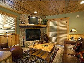Rustic Lodge-Style Condo - Stone & Timber Finishes (25289), Park City